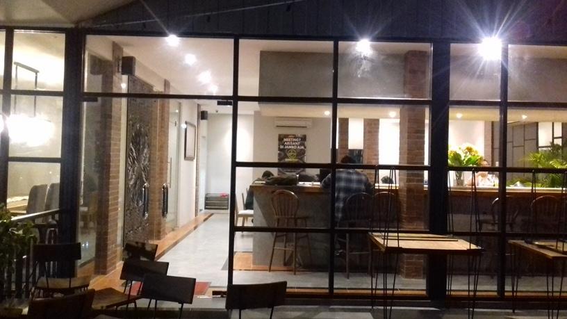 Tukang Bikin Jendela-Pintu Kaca Kranji Bekasi 0878-7584-4199